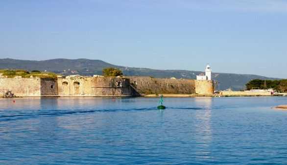 Hafen von Paxos